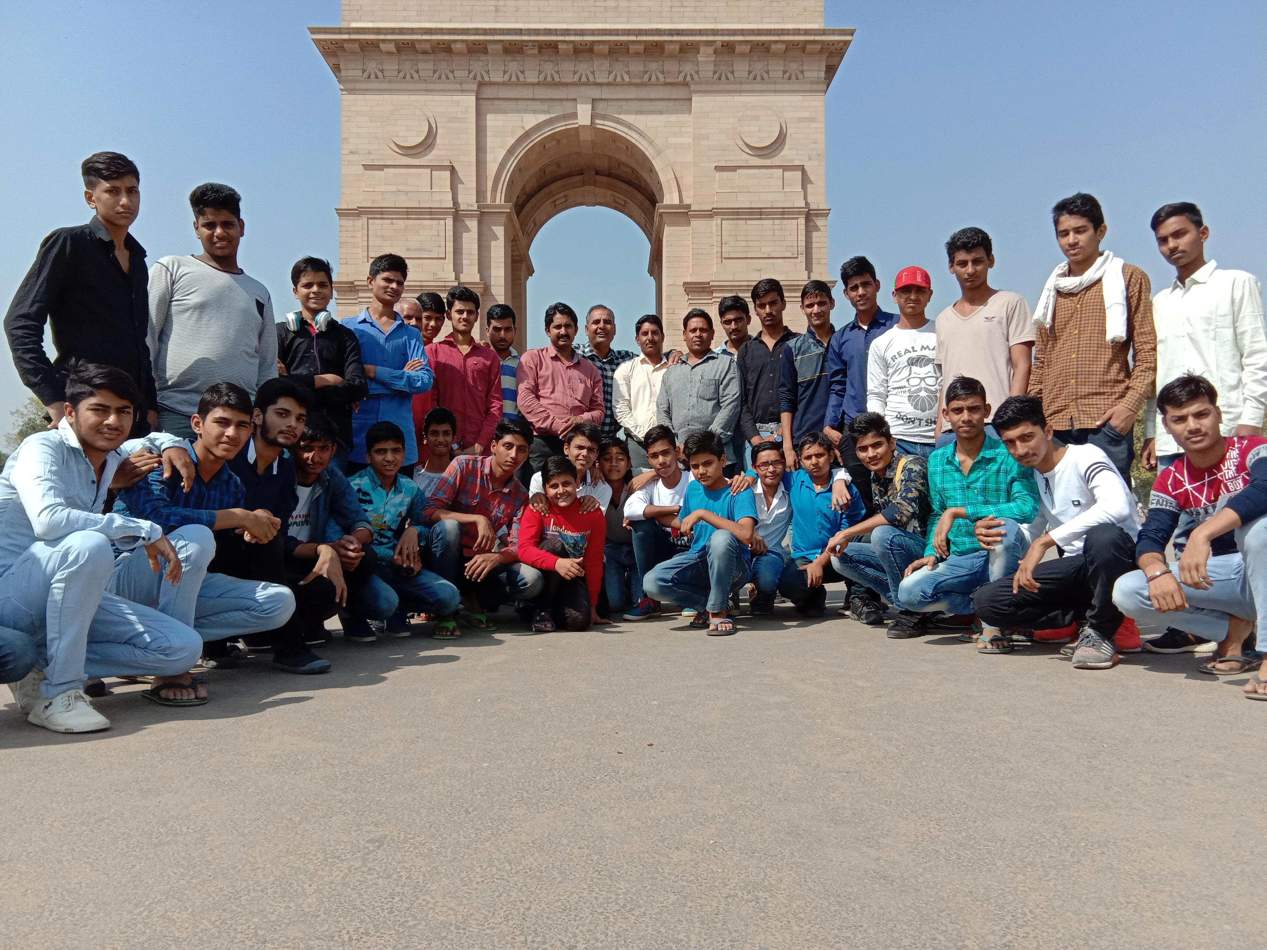 India Gate, Wagah Border & Tajmahal Trip